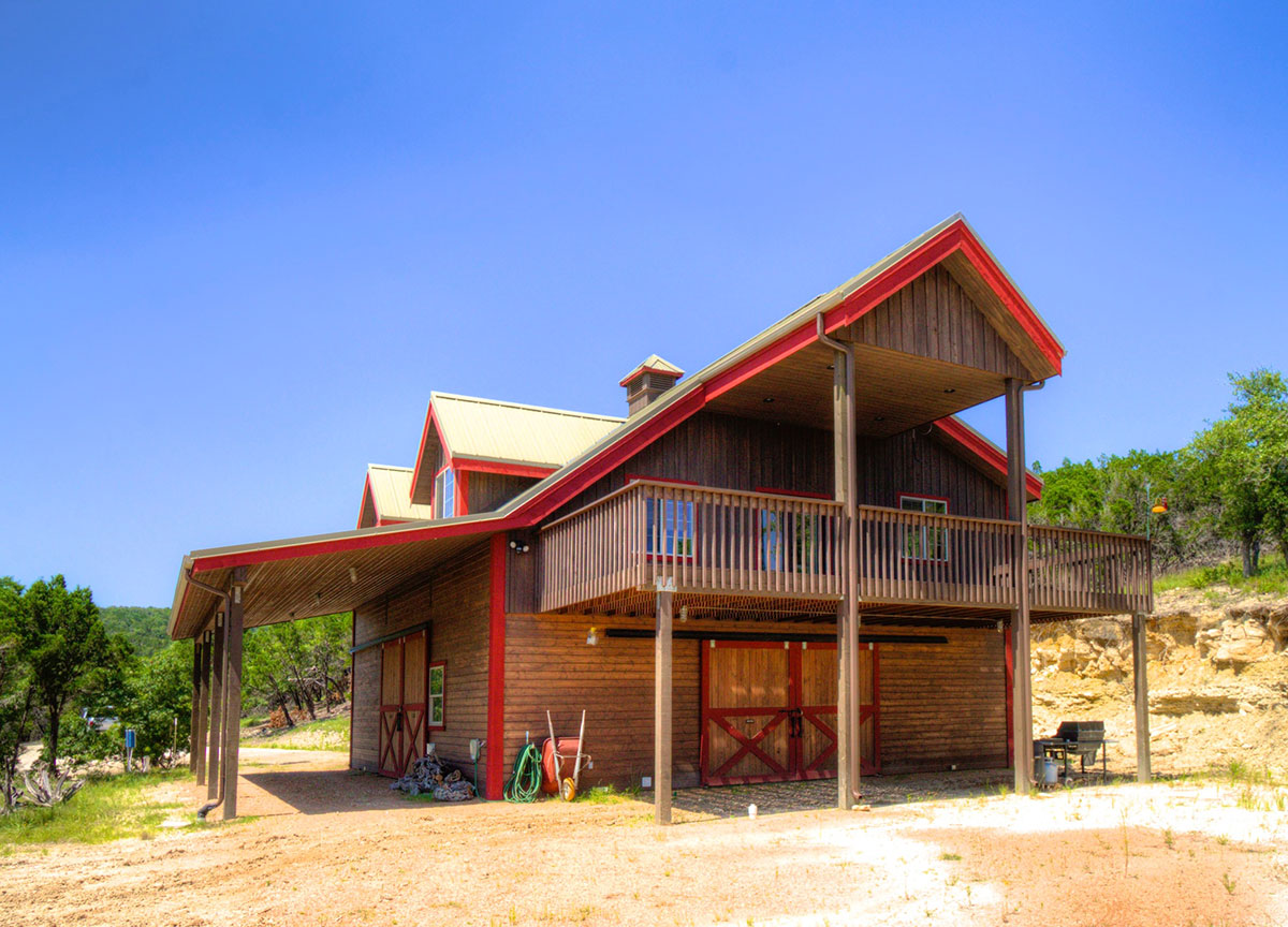 Denali-barn-apartment-texas-hill-country-001.jpg
