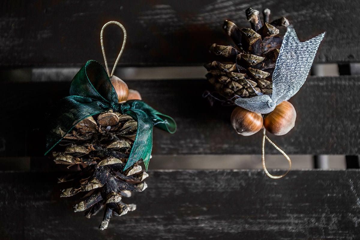 holiday-pinecones.jpg