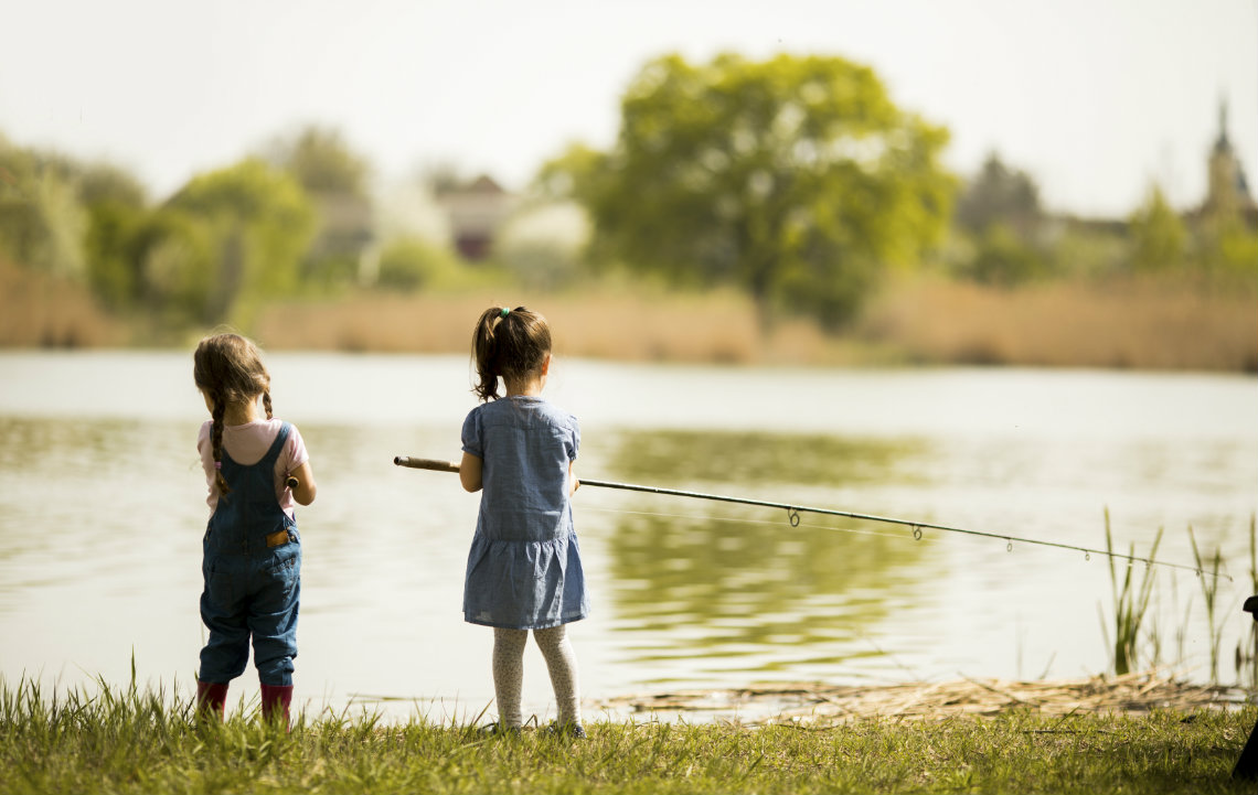 Country_Kids_Fishing.jpg