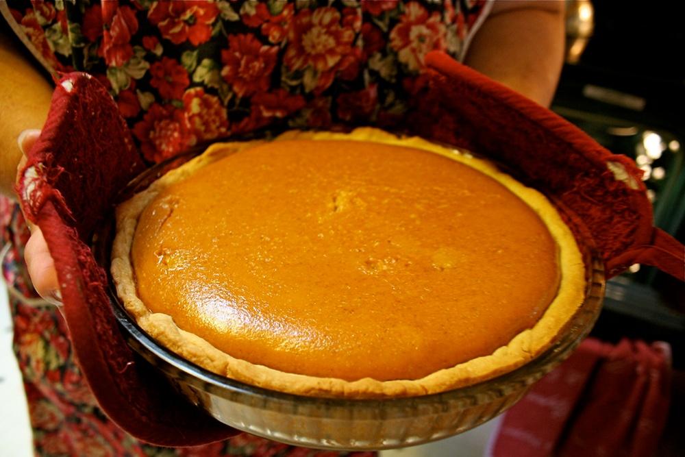 Homemade_Pumpkin_Pie.jpg