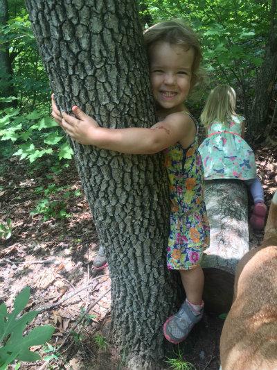 Kids_in_trees_at_Nature_Farm_School.jpg