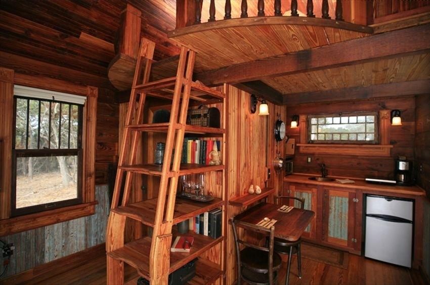 Texas_Tiny_House_Inside.jpeg
