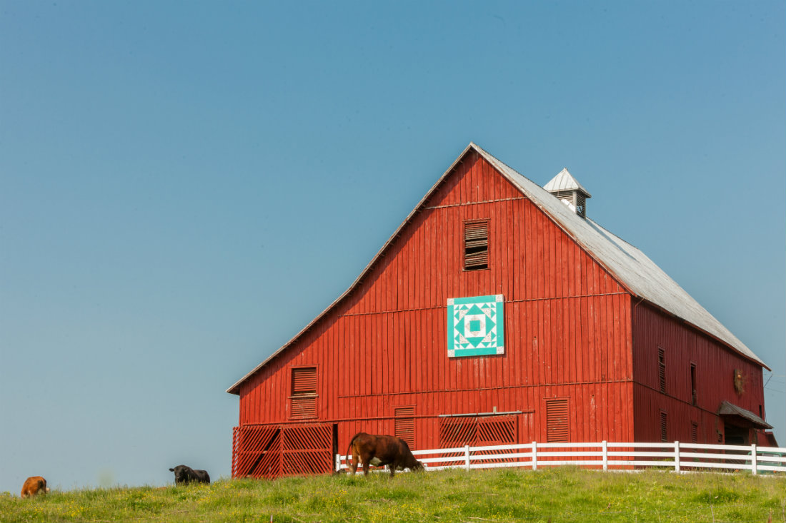 Red_Quilt_Barn_Tenn_1100.jpg