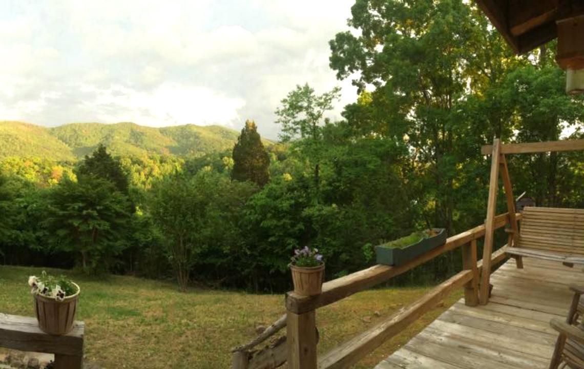 Twin_Valley_Farm_Vacation_Lead.jpg