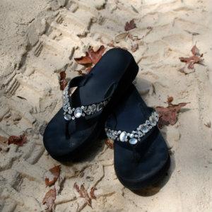 jayne gray flip flops