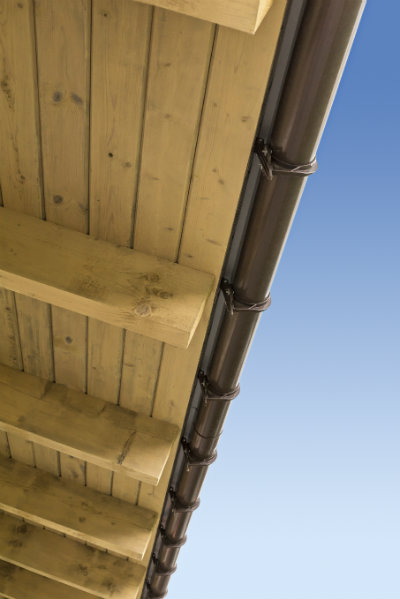 eaves can shade a home and keep it cool