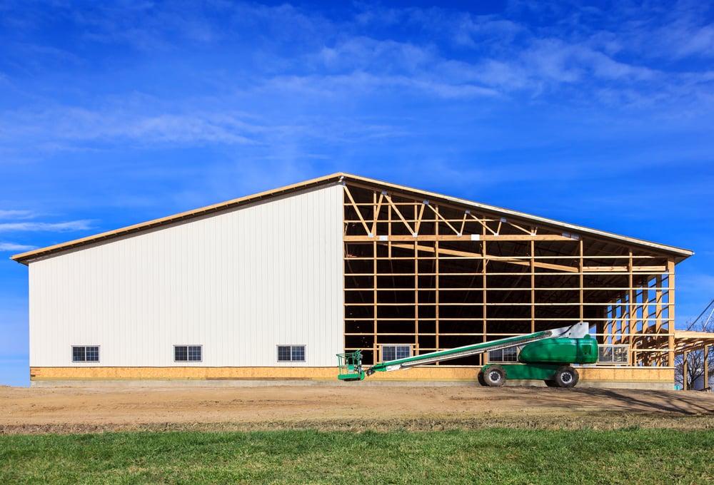 wooden vs steel barns