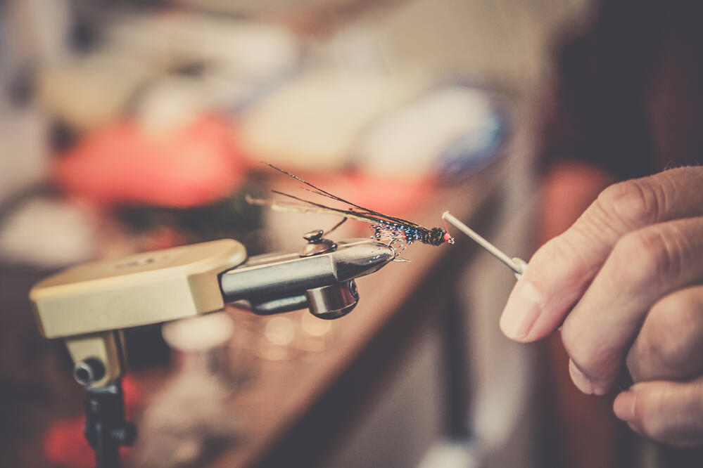 fly tying one handed