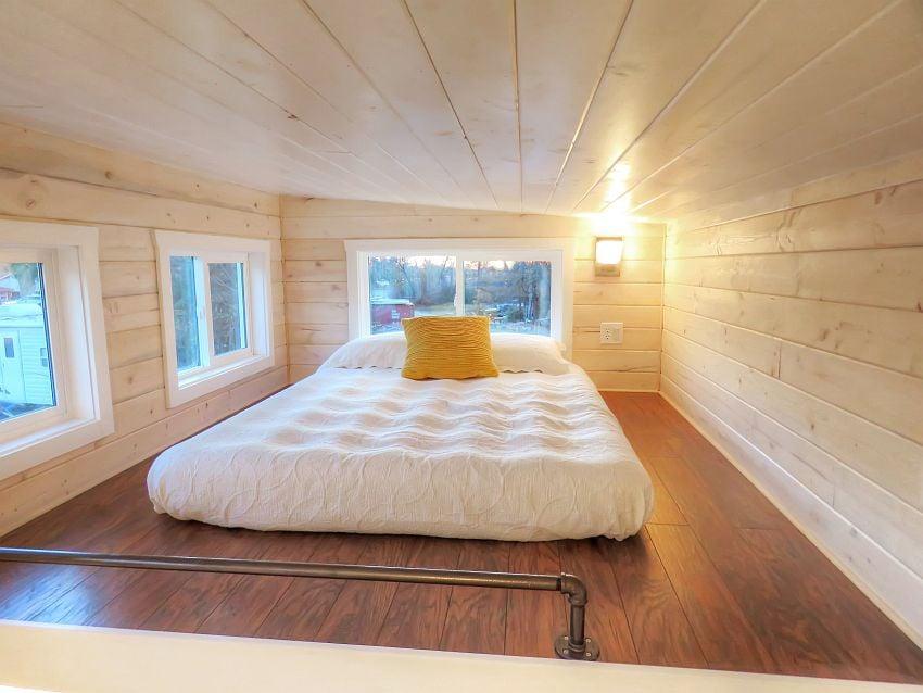 upper-bedroom