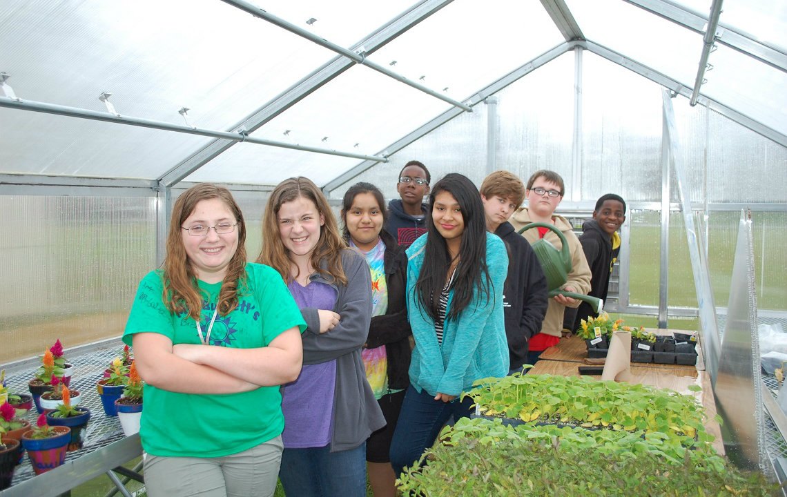 Agriculture Science class inspires 6th graders to go rural
