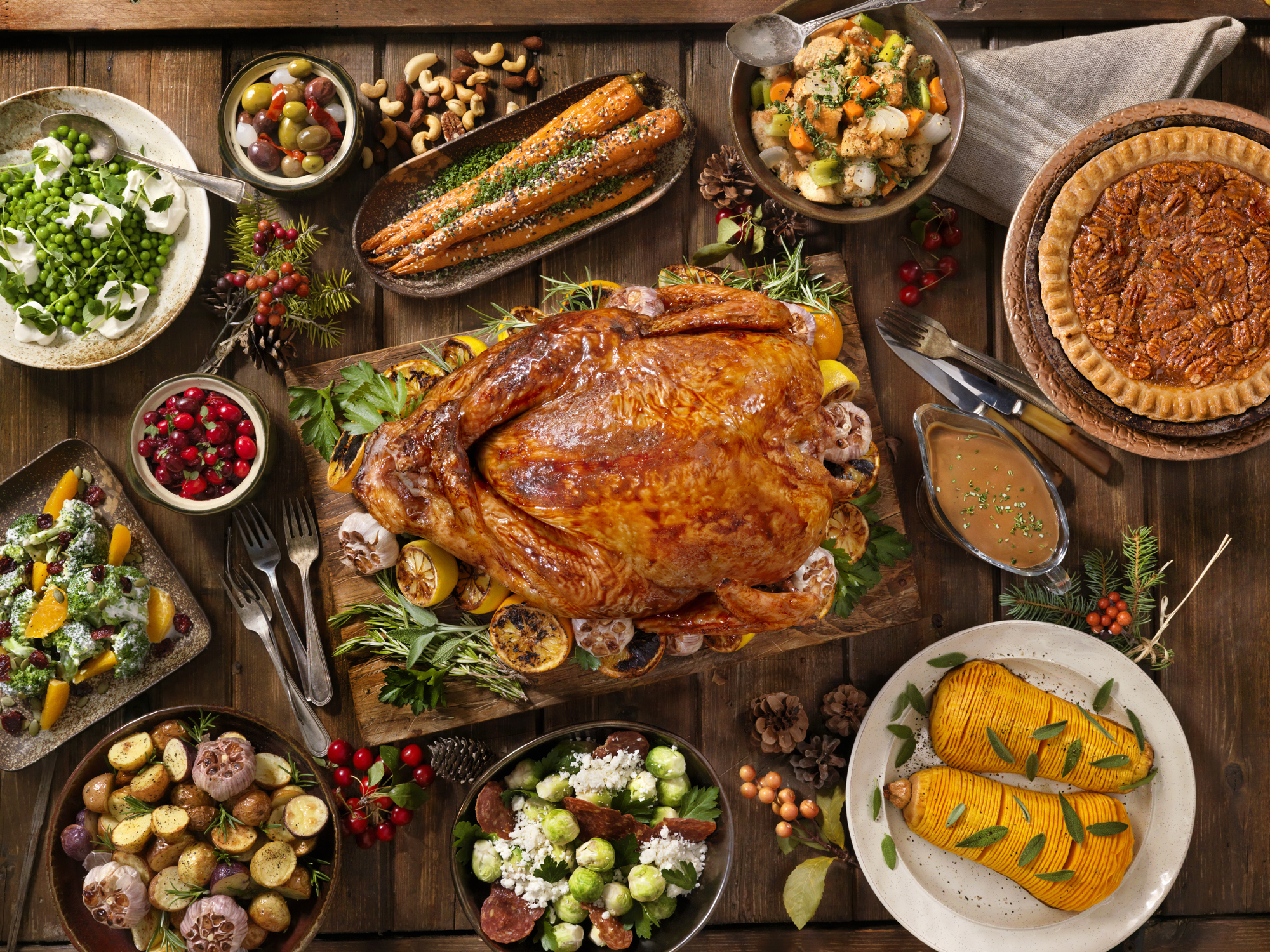 10 Ways to cook a little healthier this thanksgiving (without sacrificing tradition or flavor)